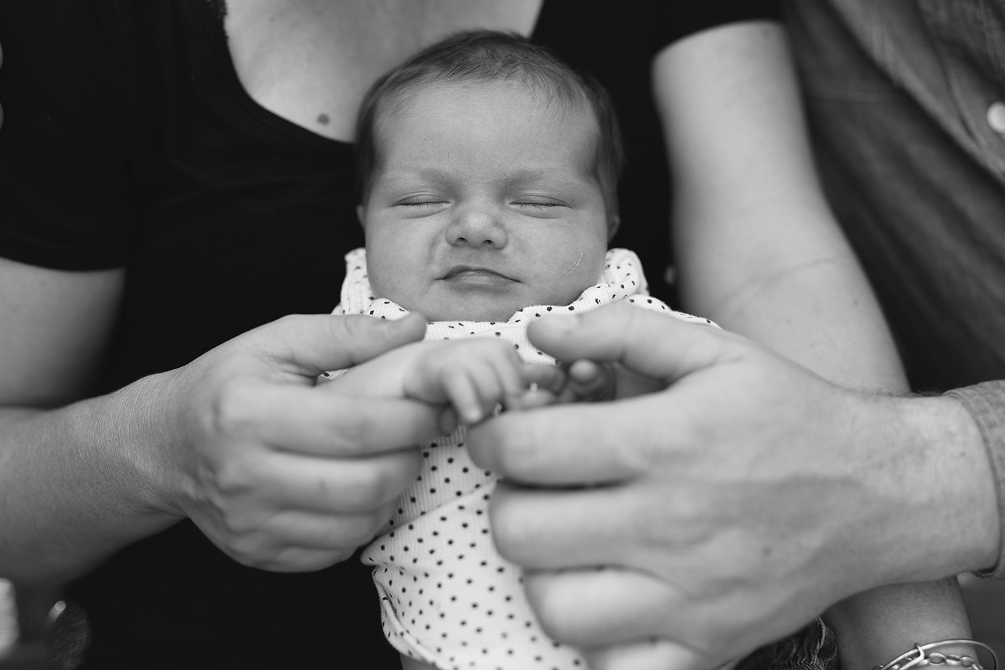 newborn, family, b&w, little fingers, Alice Payne photography