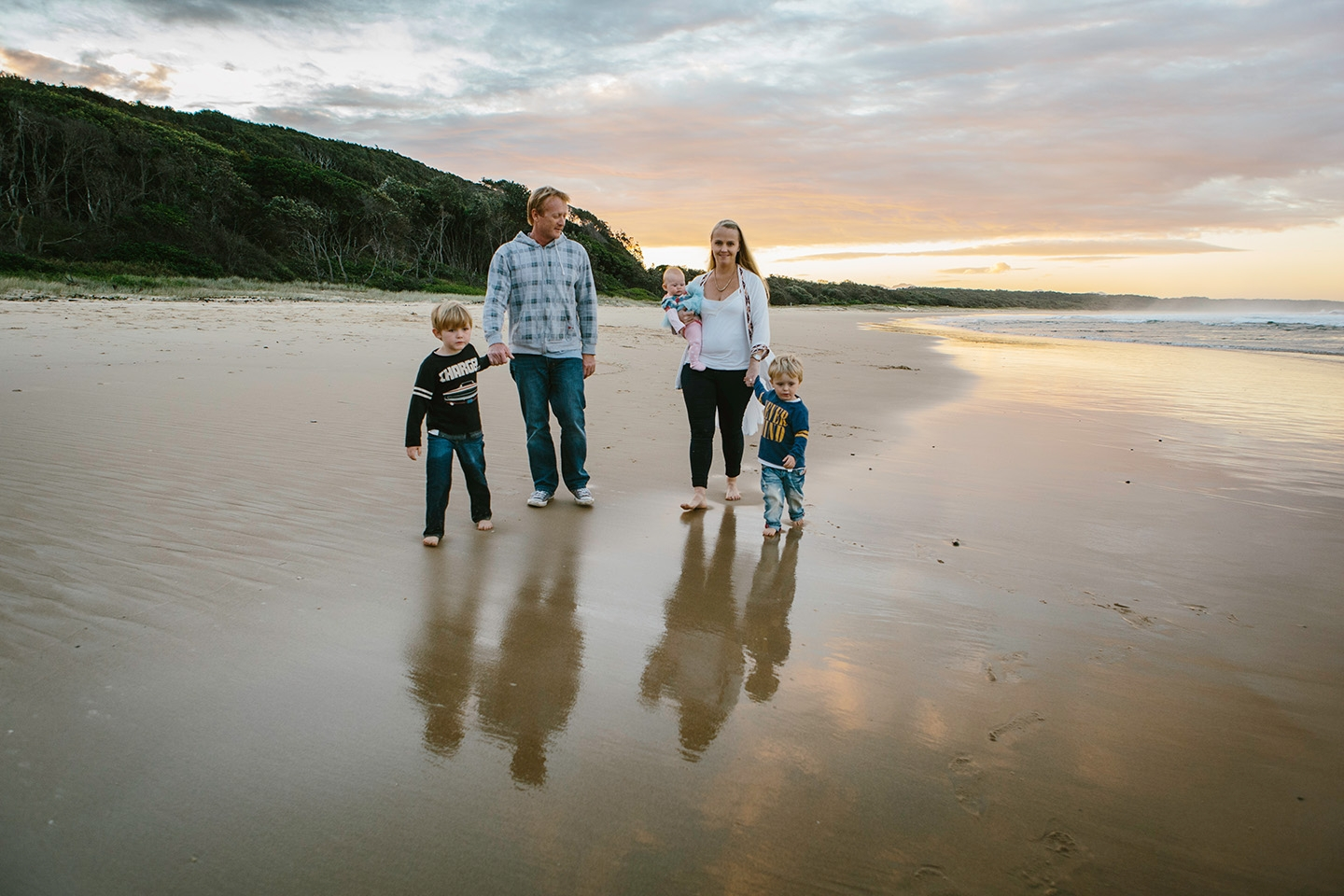family photography, beach, sunset, children, mid north coast photographer, Alice Payne photography