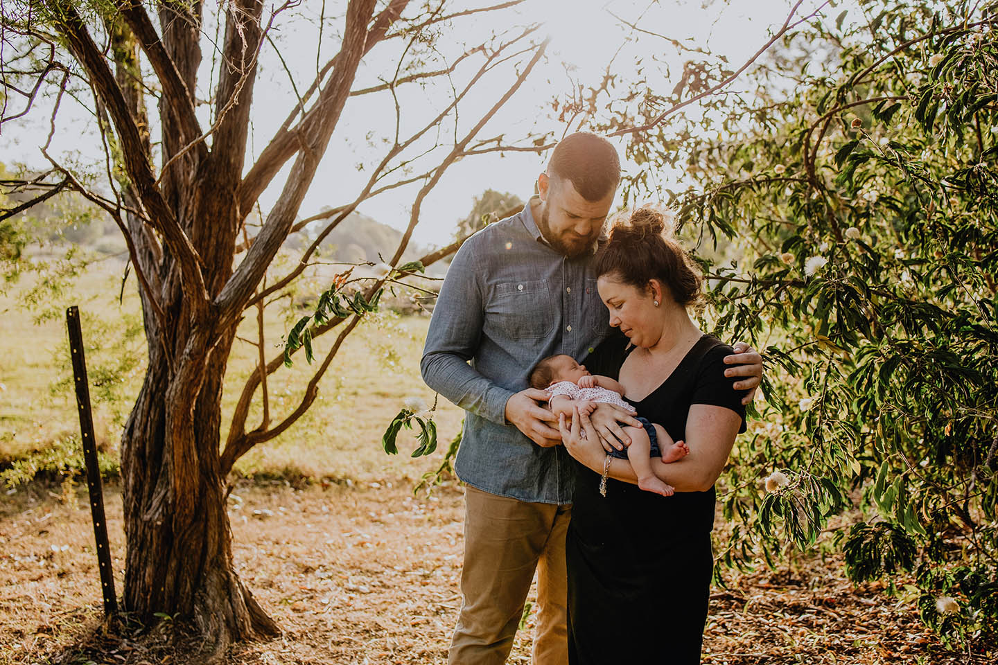 Newborn, family photography, afternoon light, baby, loving parents, Alice Payne photography