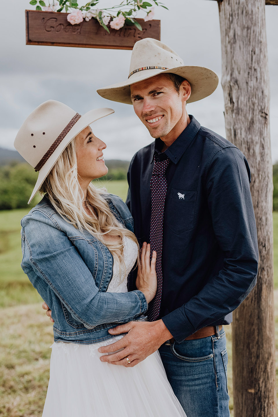 Wedding, farm wedding, cowboys hat, lovers, denim, Alice Payne photography