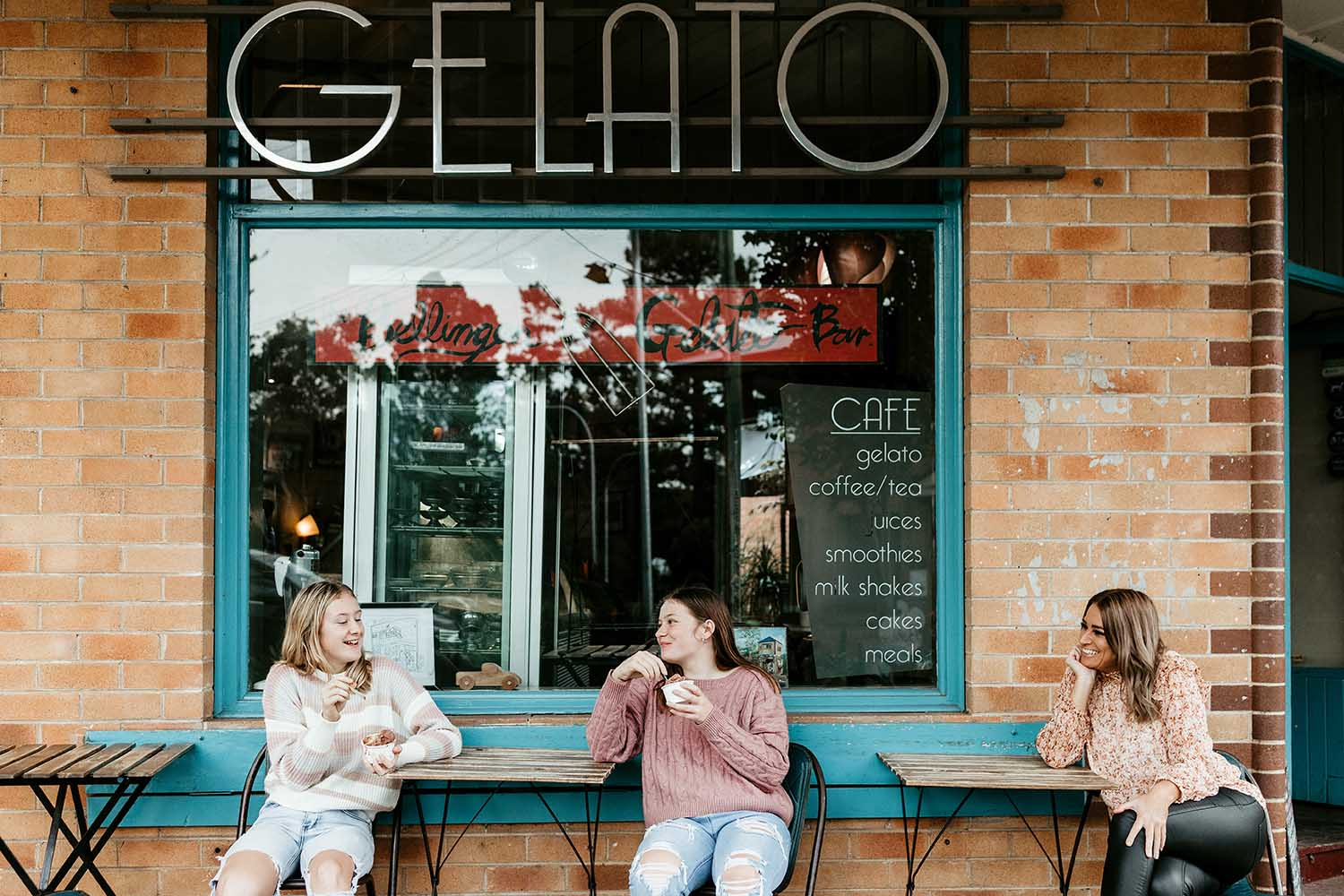 Mother and her two daughters eating an ice cream at Bellingen gelato bar - family photographer - lifestyle photographer - bellingen photographer -nambucca heads photographer - coffs harbour photographer